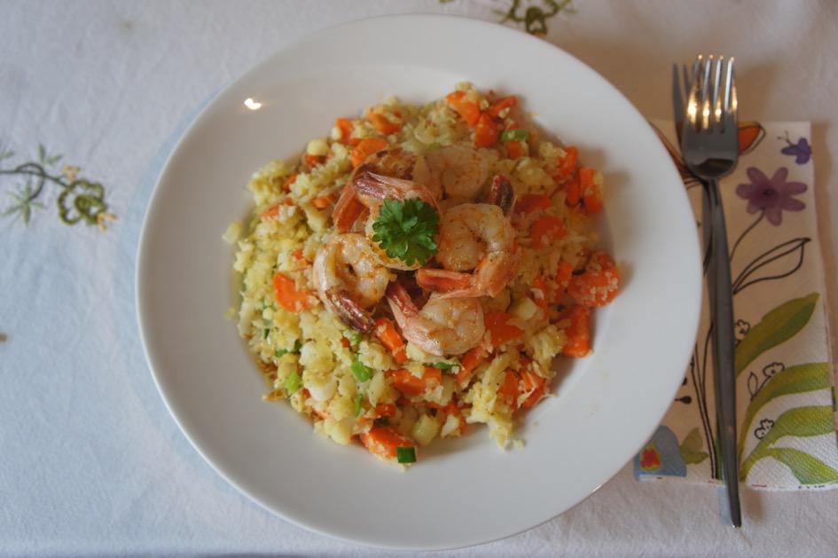 """<a href=""""/rezepte/blumenkohl-karotten-pfanne-mit-krabben"""">Blumenkohl-Karotten-Pfanne mit Krabben</a>"""