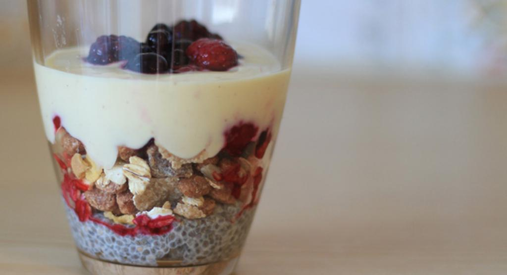 """<a href=""""/rezepte/chia-pudding-mit-fr%C3%BCchten-m%C3%BCsli-und-joghurt"""">Chia-Pudding mit Früchten, Müsli und Joghurt</a>"""